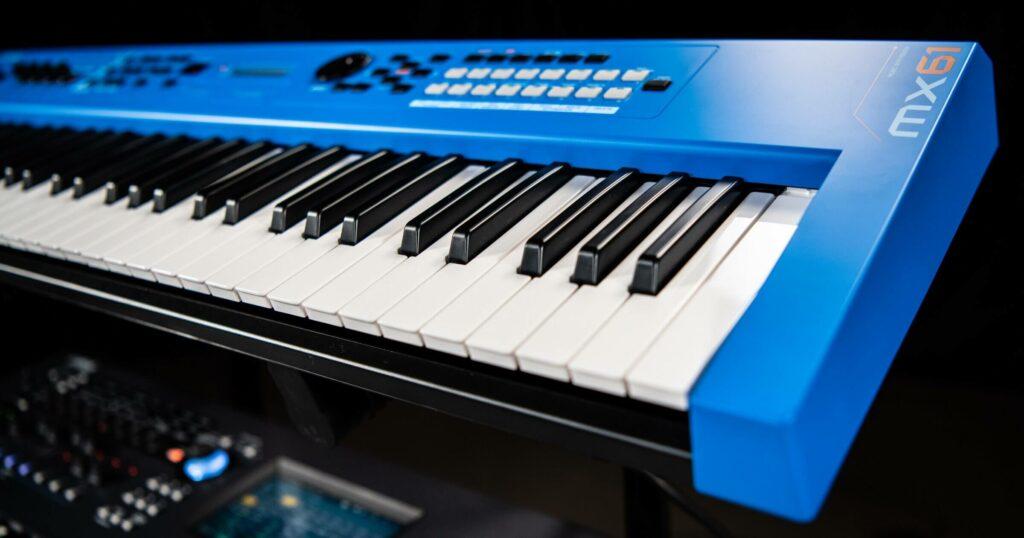 Blue keyboard - MX61.